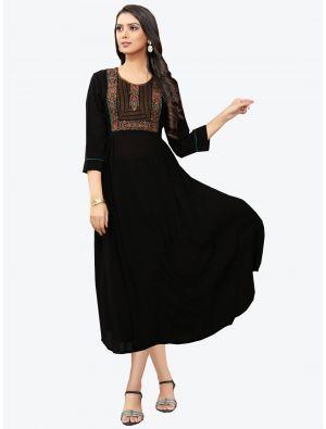 /pr-fashion/202011/black-georgette-long-kurti-fabku20117.jpg
